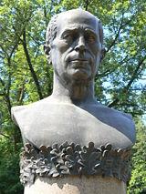 160px-Nikolay-Haytov-monument-closeup.jpg