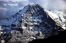 Photographie de la montagne enneigée de l'Eiger où a été tourné La Sanction