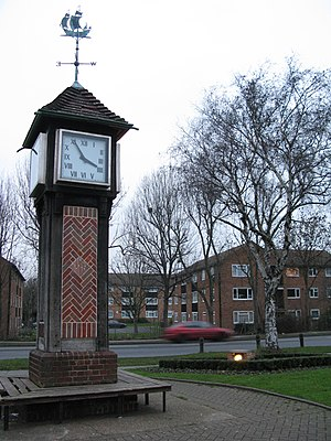 Northolt - Northolt Green Clock