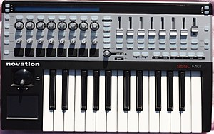 Novation Digital Music Systems - Novation 25SL MkII (2012)
