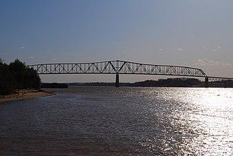 Shawneetown Bridge - Image: Old Old Shawneetown, IL Bridge
