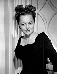 Olivia de Havilland publicity photo 1947.jpg