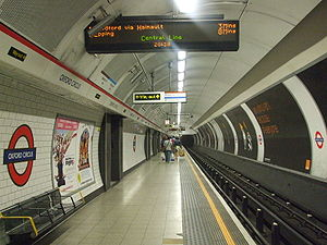Oxford Circus stn Central eastbound look west.JPG
