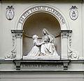P1240775 Paris VII ND medaille miraculeuse niche et statue rwk.jpg