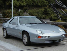 PORSCHE 928S4 polar silver UP.png