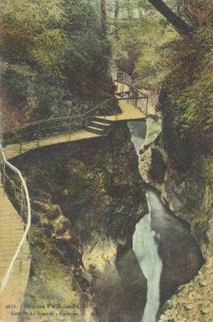 Albanais - An old postcard of the gorge carved by the Sierroz