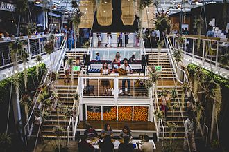 Anaheim Packing House - The interior of the Packing House in 2014, after it had been converted into a food hall.