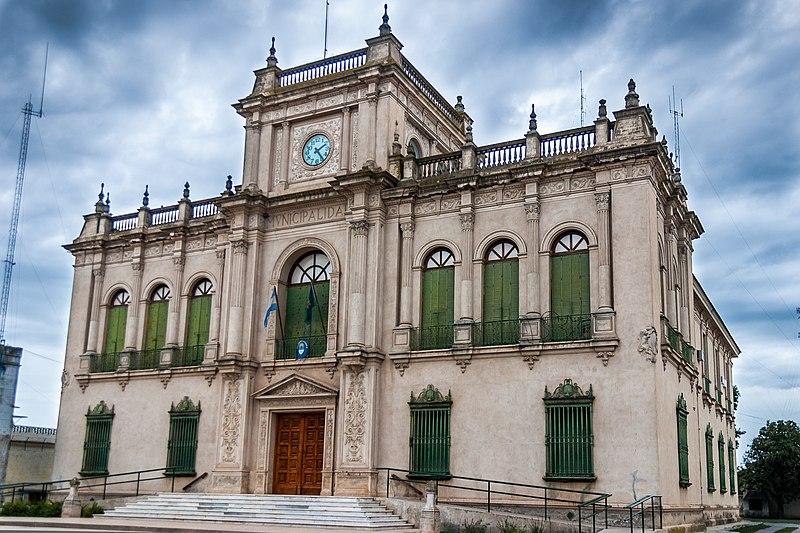 800px Palacio Municipal de Rivadavia %28Argentina%29 Un pequeño paraiso en el interior del pais. Pasen y vean!