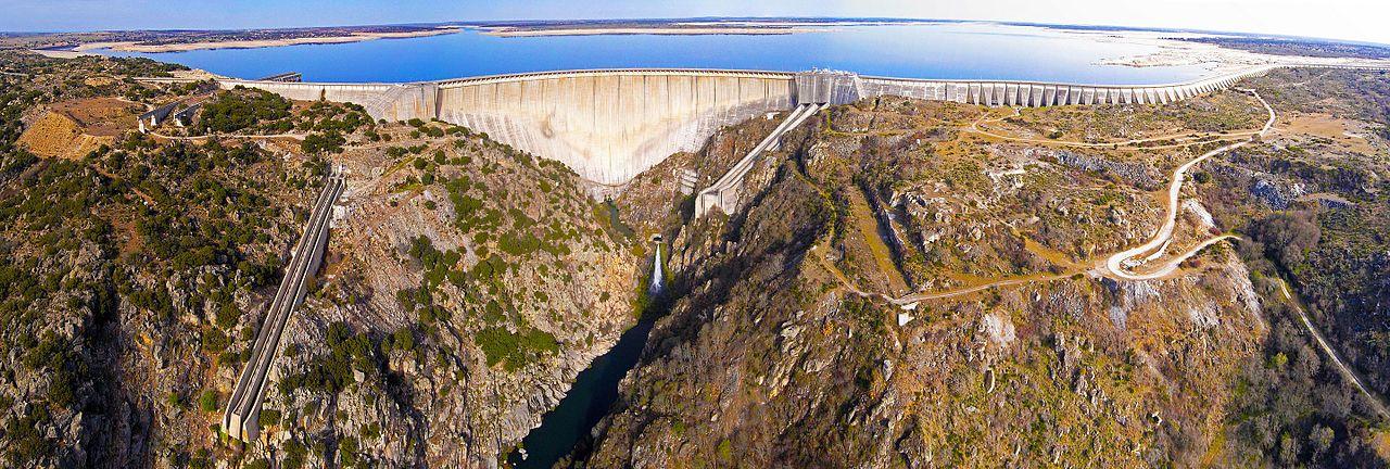 Espectacular panorámica de la presa de La Almendra