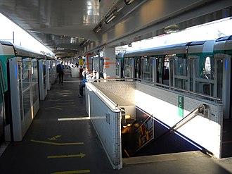 Châtillon – Montrouge (Paris Métro) - Image: Paris metro Châtillon Montrouge 3