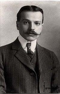 Paul Philippe Cret portrait 1910.jpg