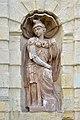 Petrovsky gate statue in Saint Petersburg.jpg