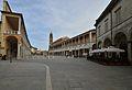 Piazza del Popolo nella sua estensione Faenza.jpg