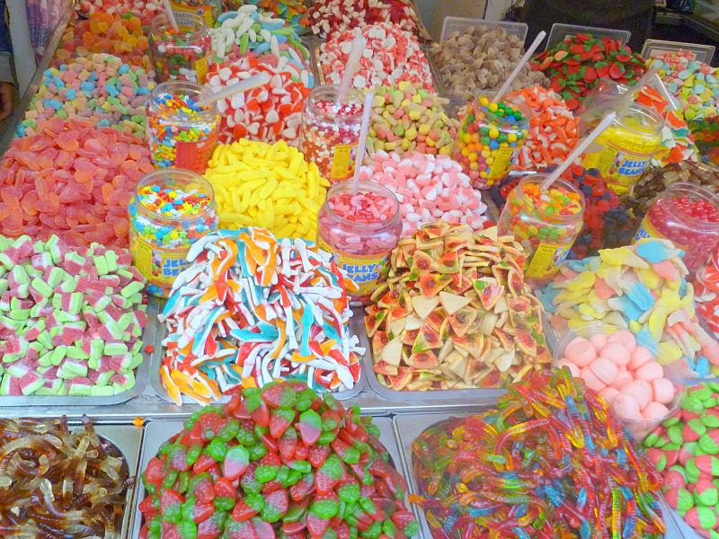 סוכריות גומי בשוק הכרמל תל אביב