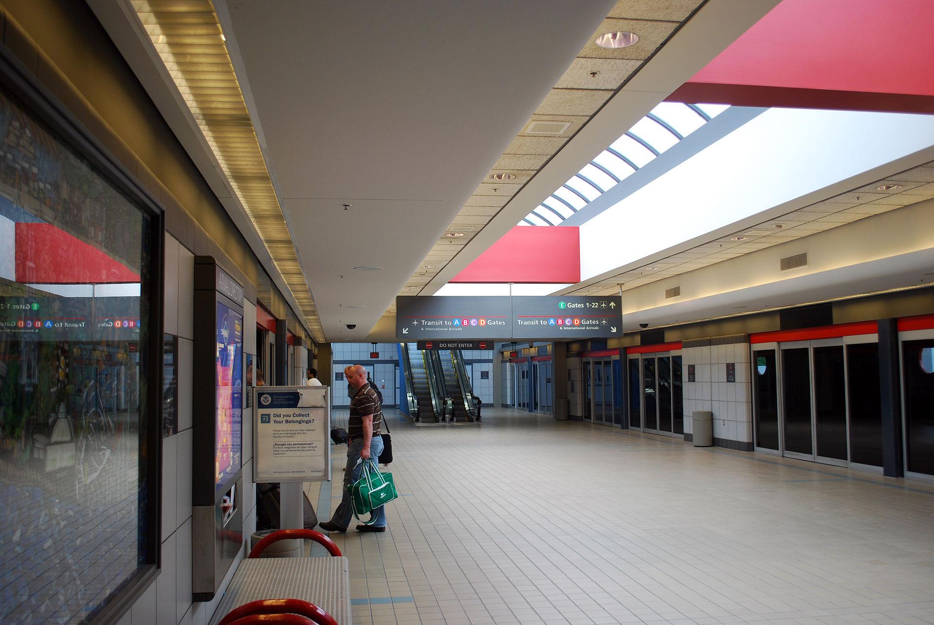 Pittsburgh International Airport People Movers - Wikipedia