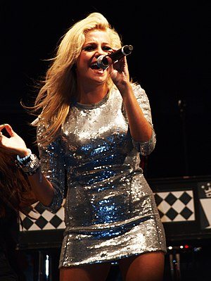 Pixie Lott - Lott performing at Blackpool Pleasure Beach, 4 September 2009.
