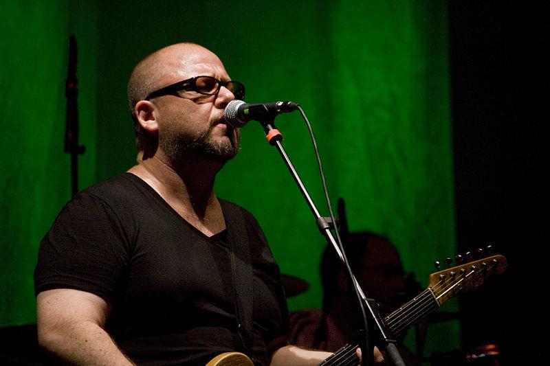 File:Pixies-Frank Black.jpg