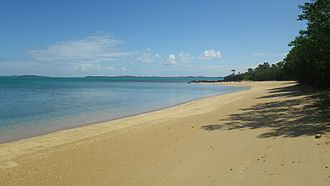 Poum - Nennon Beach in Poum