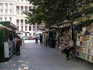 Plaza Lavalle; Librerías