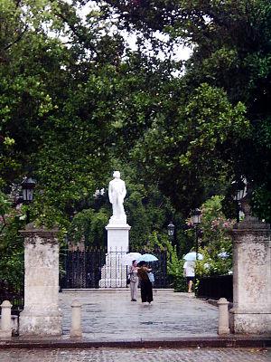 English: Plaza de Armas in La Habana. The stat...