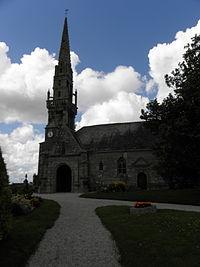 Plougourvest (29) Église 02.JPG