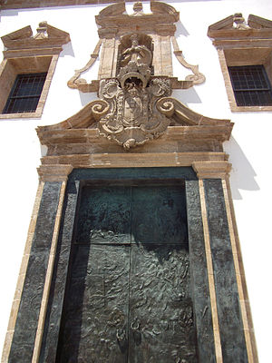 Matriz Church of Póvoa de Varzim - Rococo Portal with contemporary bronze doors