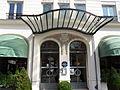 Porte d'entrée de l'hôtel Raspail à Paris.JPG