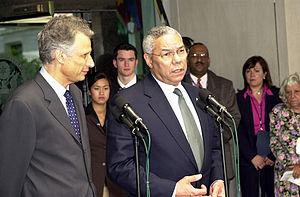 Dominique de Villepin - Dominique de Villepin with U.S. Secretary of State Colin Powell, 2003