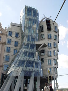 [تصویر:  220px-Prague_-_Dancing_House.jpg]