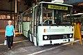 Praha, DOD 2006 Hostivař, Autobus typu Karosa s plošinou pro invalidy.JPG