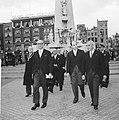 President van Argentinië, Arturo Frondizi in Nederland Voor het monument op de , Bestanddeelnr 911-3853.jpg
