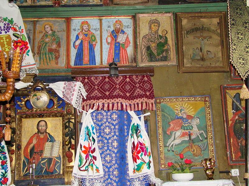 File:RO MM Laschia church interior 22.jpg