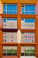 Reflectie op de Haagse studentenhuisjes (7744222930).jpg
