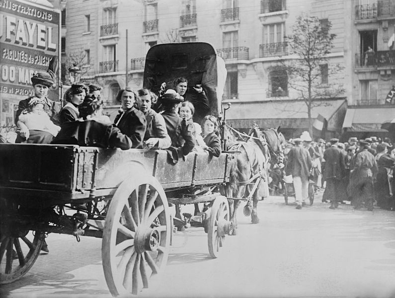File:Refugees from Belgium in Paris, 1914.jpg