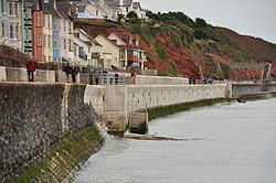 Repaired section of seal wall in Dawlish (7238).jpg