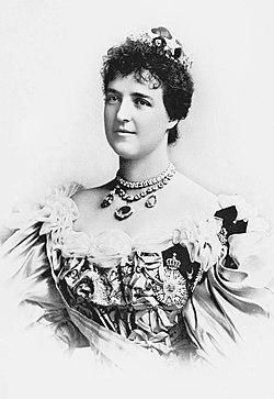 Retrato da Rainha D. Amélia (editado).jpg
