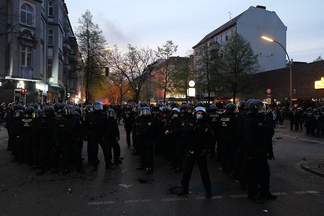 Revolutionary 1st may demonstration Berlin 2021 177.jpg