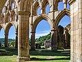 Rievaulx Abbey 20060728 011.jpg