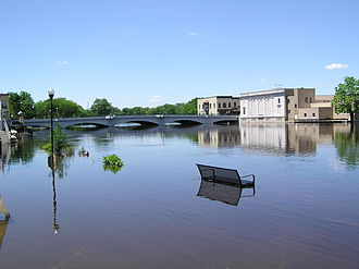 Rock River (Mississippi River tributary) - Rock River flooding downtown Fort Atkinson, June 2004