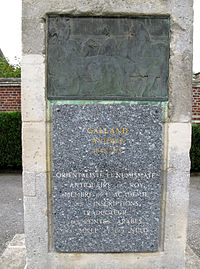 Rollot base statue Antoine Galland 1.jpg