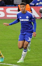 Loftus Cheek Playing For Chelsea In