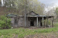 Rural abandoned cabin in Morgan County in West Virginia's Eastern Panhandle LCCN2015631477.tif