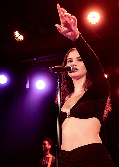 Picture of a band or musician: Sabrina Claudio