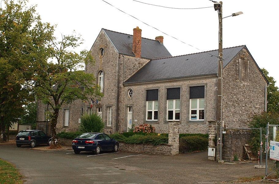 Saint-Georges-le-Fléchard (Mayenne, France); mairie-école