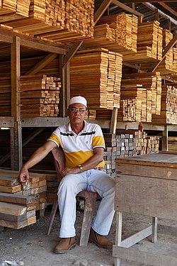 Sandakan Sabah Sale-of-timbers-03.jpg
