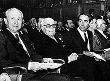 Sandro Pertini all'85ª sessione del CIO, nel 1982