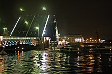 Sankt Petersburg Dworzowy-Bridge 2005 b.jpg