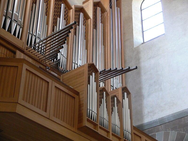 Datei:Schaffhausen Münster Orgel Metzler 1958 Chamade.jpg