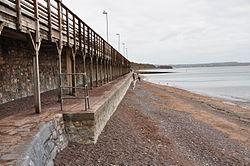 Sea wall near Dawlish (7230).jpg