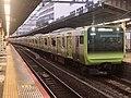Series E235 Tou 01 in Shinjuku Station 01.jpg